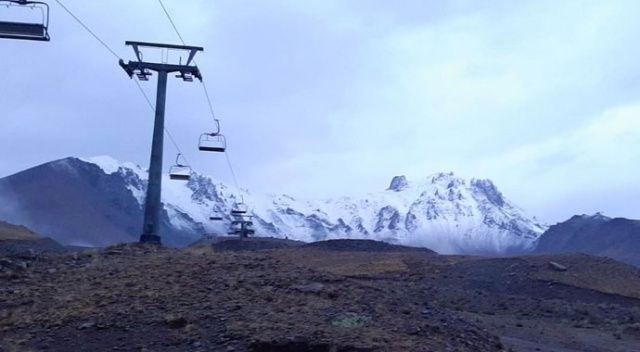 Erciyes'te kar yağışı başladı
