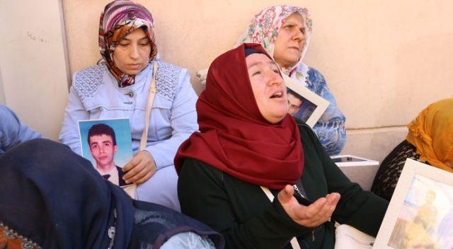 HDP'liler ile oturma eylemi yapan aileler arasında gerginlik: Acılı anne sinir krizi geçirdi