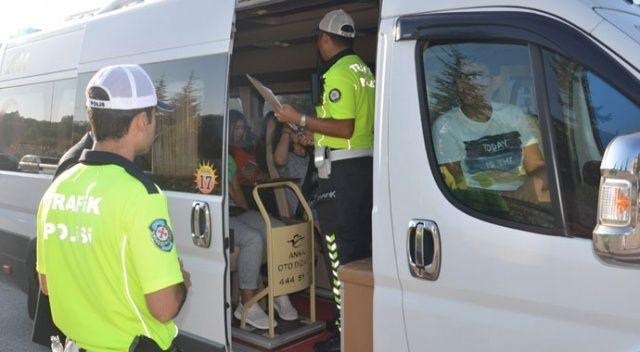 İçişleri Bakanlığı: 946 şahıs yakalandı, 346 araç trafikten men edildi