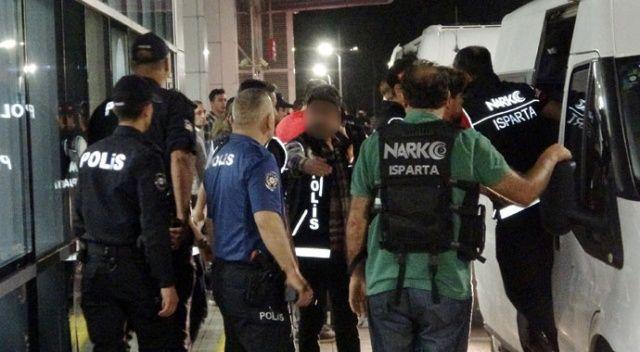 Isparta'da 13 adrese eş zamanlı 'Zehir taciri' baskını: 17 gözaltı