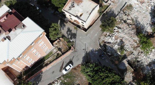 Kartal'da 7 metruk bina yıkıldı