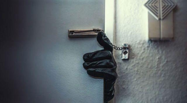 Kendi evine kar maskesi ile girip 2 bilezik çaldı, 5 yıl hapis cezası aldı