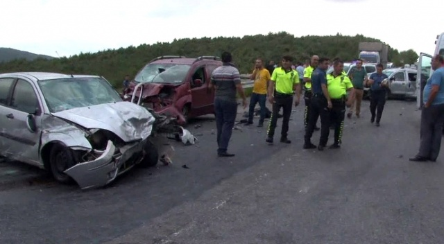 Kuzey Marmara Otoyolu'nda zincirleme trafik kazası