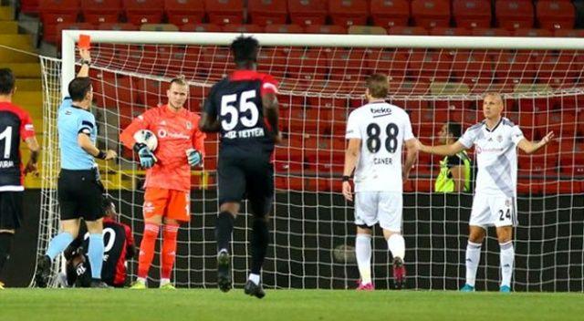 Maç sonu büyük tepki! 'Beşiktaş formasını hak etmiyorsun'