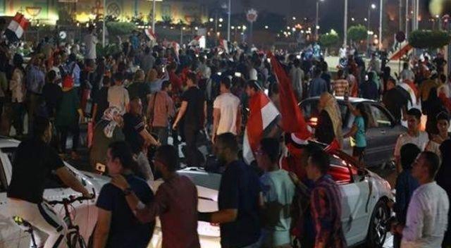 Mısır'da Sisi karşıtı halk sokağa indi!