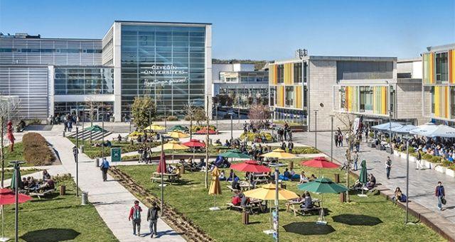 Özyeğin Üniversitesi 'mezunları en hızlı iş bulan üniversiteler' sıralamasında ikinci kez zirvede