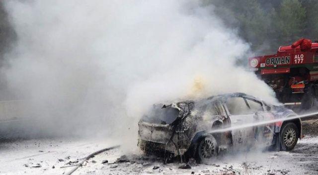 Ralli aracı tamamen yandı