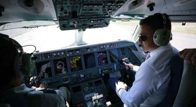 Rus uçağını test etti onayladı