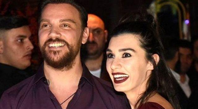 Şarkıcı Sinan Akçıl ile 20 gün önce boşandığı eşi Burcu Kıratlı barıştı