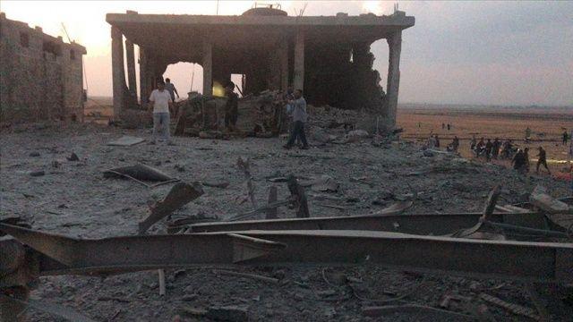 Suriye-Türkiye sınırında bombalı saldırı: 12 sivil hayatını kaybetti