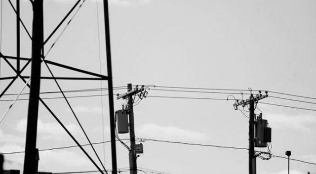 Telefon çekmediği için elektrik direğine çıkan çoban, düşerek öldü