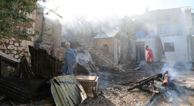 Tunceli'de ev yangını 2'si kullanılamaz hale geldi, 1'inde hasar oluştu