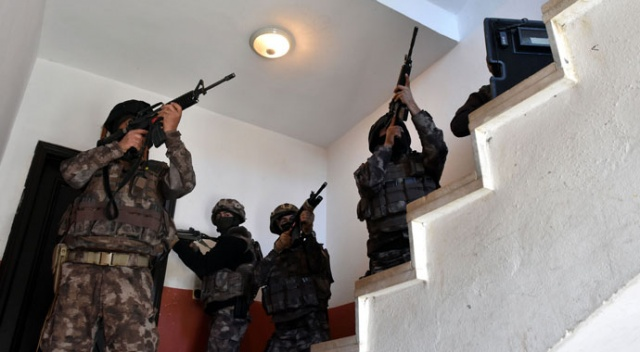 Van merkezli 6 ilde terör operasyonu: 23 gözaltı