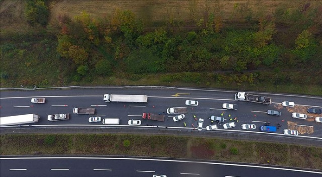 Anadolu Otoyolu'nda zincirleme trafik kazası: 4 yaralı
