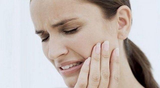 Diş ağrısı çekenler dikkat! Sizin de başınıza gelmiş olabilir....