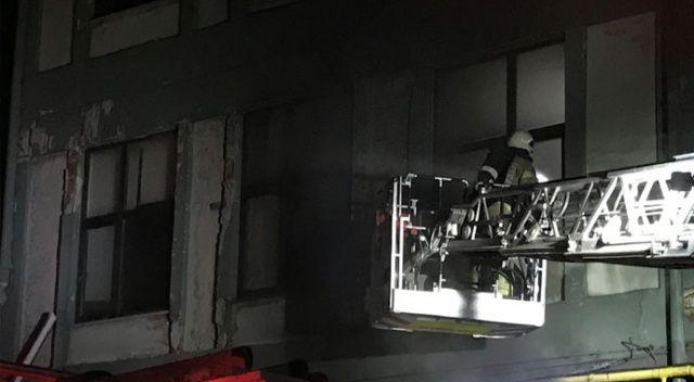 Esenyurt'ta fabrika alev alev yandı