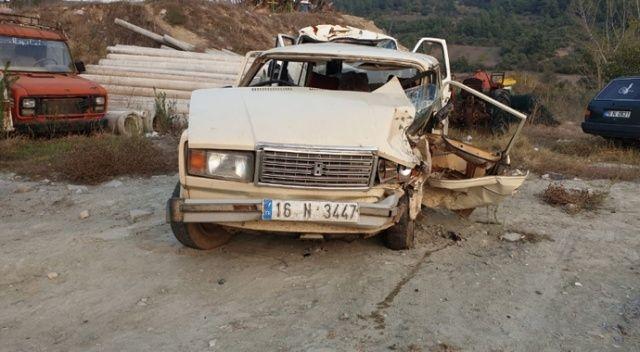 İki otomobil kafa kafaya çarpıştı: 1 ölü, 3 yaralı