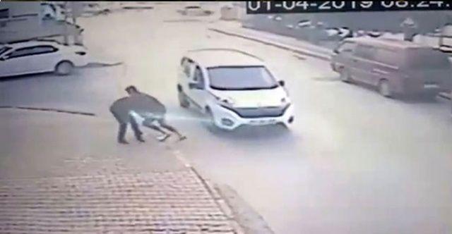 İstanbul'da önüne gelene bıçakla saldıran şahıs yakalandı