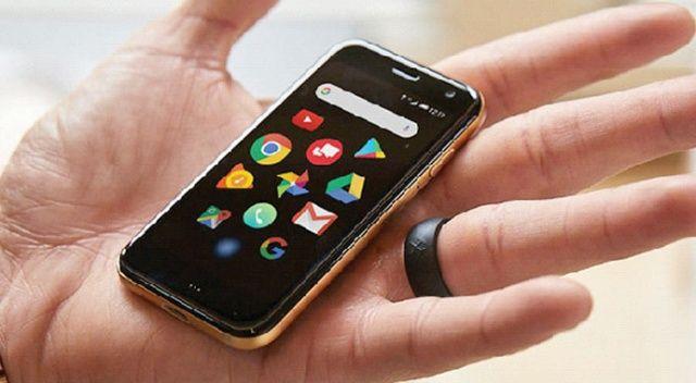 Kredi kartı  boyutunda  telefon
