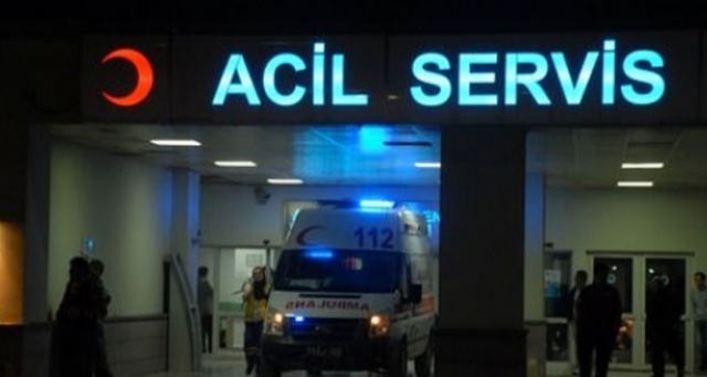 Manisa'da otomobille tır çarpıştı: 2 yaralı