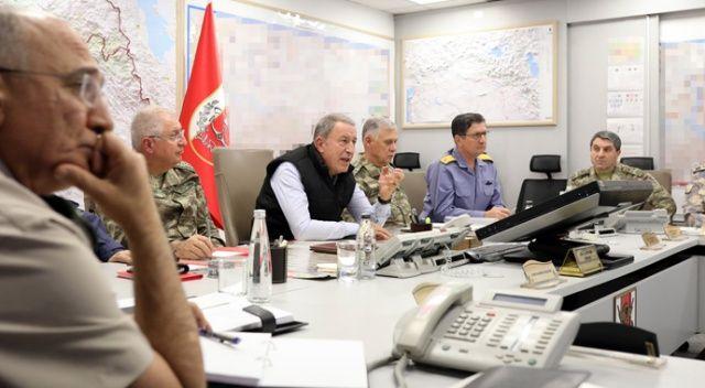 Bakan Akar ve komutanlar Barış Pınarı Harekatı'nı sevk ve idare ediyor