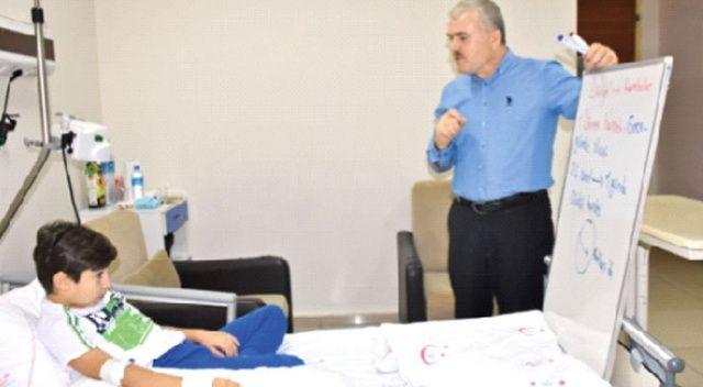 Okulu Ahmet'in ayağına getirdi