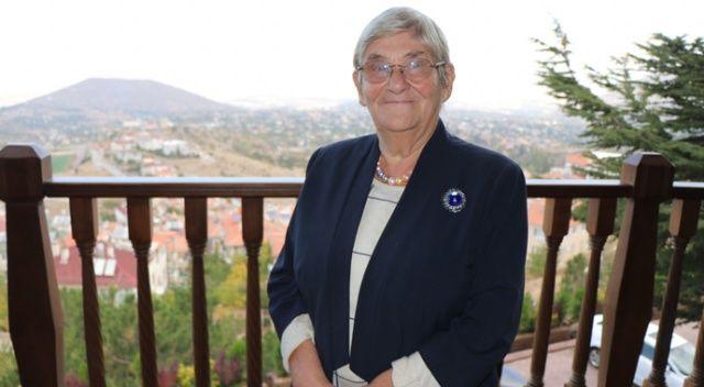 """Prof. Dr Canan Karatay: """"Pastırma pişmediği için en sağlıklı ettir"""""""