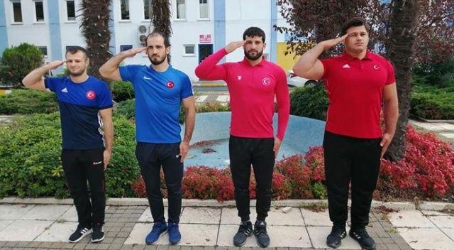 Şampiyon güreşçiler Mehmetçik oldu