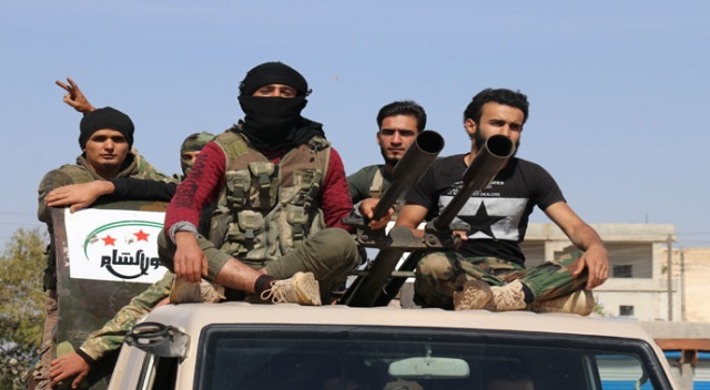 Suriye Milli Ordusundan Fırat'ın doğusuna sevkiyat