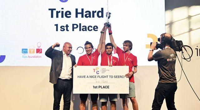 Ulusal Programlama Yarışmasını kazanan öğrenciler Avrupa yolcusu