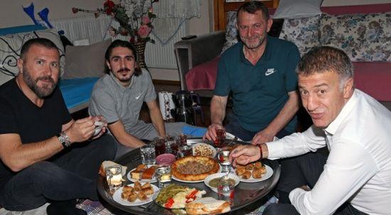 Ahmet Ağaoğlu, Abdülkadir Ömür'ü ziyaret etti