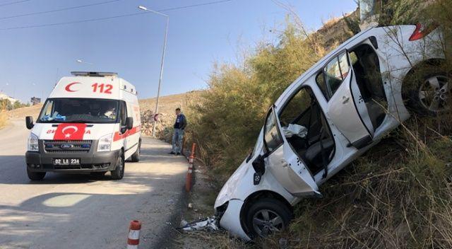 Adıyaman'da freni tutmayan otomobil devrildi: 6 yaralı