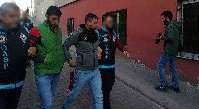 Bağ evinden 10 bin lira gasp eden 4 kişi yakalandı