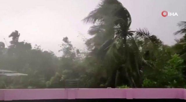 Bangladeş'i ve Hindistan'ı Bulbul Kasırgası vurdu: 14 ölü