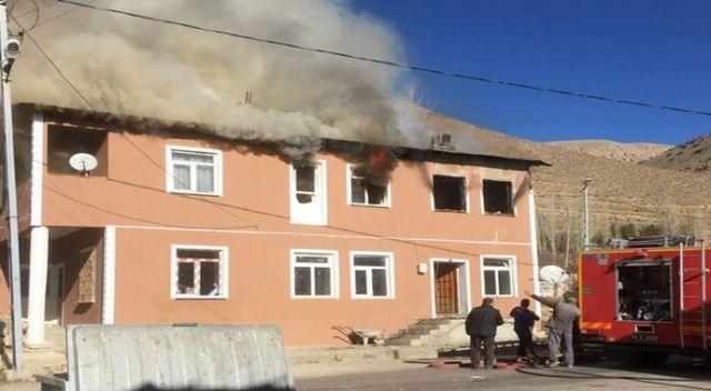 Bayburt'ta yangın: 2'si çocuk, 1 engelli 3 kişi hayatını kaybetti