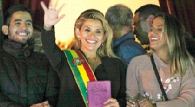 Bolivya'da doksan gün içinde seçim yapılacak
