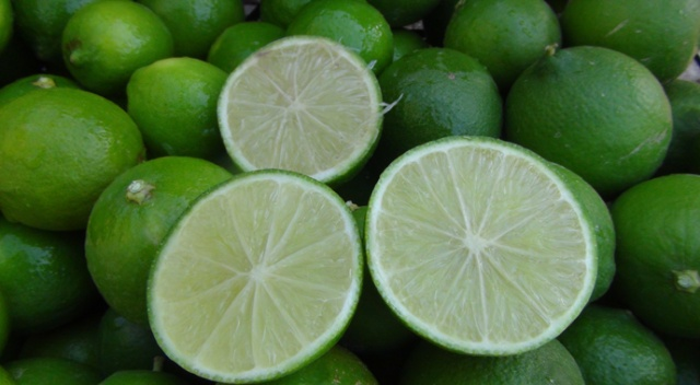 Bu limonun kilosu bahçede 10, markette 45 lira