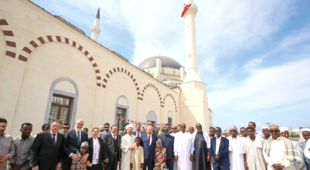 Cibuti'nin en büyük  camii Türkiye'den...