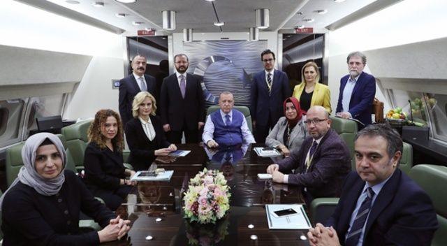 Cumhurbaşkanı Erdoğan'dan Katar dönüşü önemli mesajlar