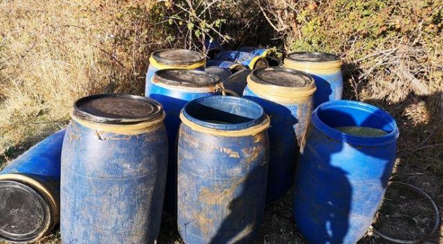 Diyarbakır'da terör örgütü PKK'ya büyük darbe! 5 ton esrar ve 5 bin kök kenevir bitkisi ele geçirildi
