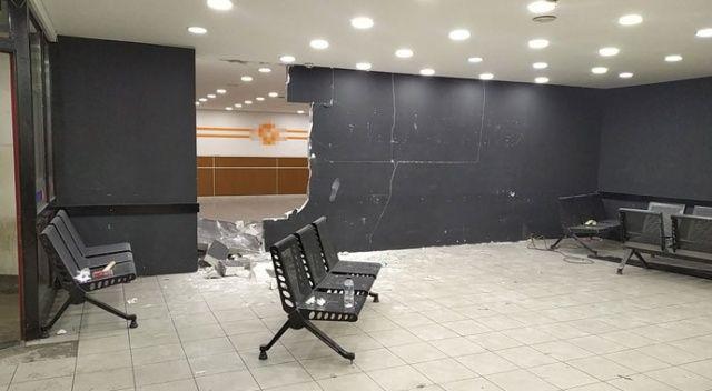 Esenler Otogarı'nda akılalmaz olay! Duvarı çekiçle yıktı!