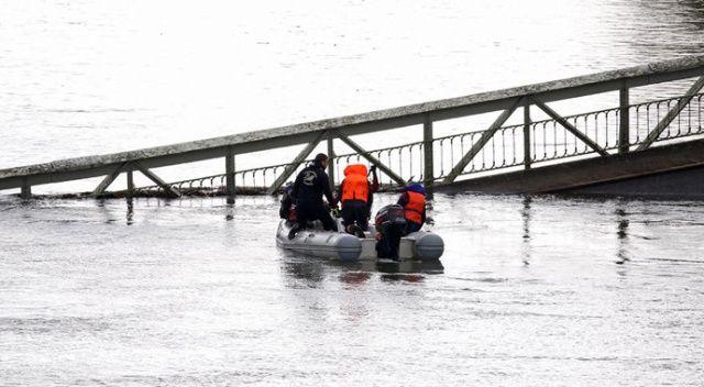 Fransa'da köprü çöktü: 1 ölü