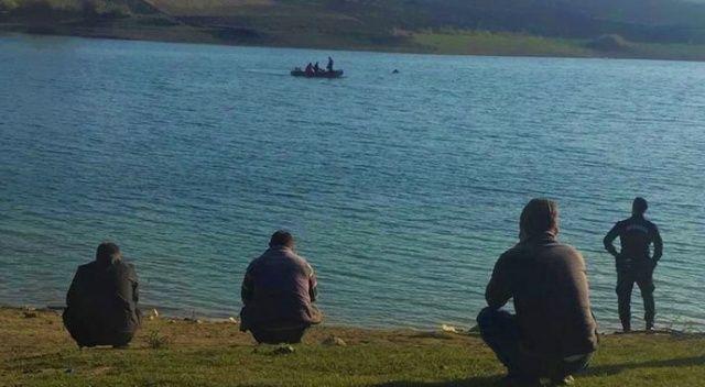Gölette kaybolan öğretmen aranıyor