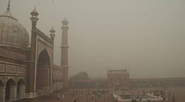 Hindistan'da hava kirliliği sebebiyle 22 çiftçi gözaltına alındı