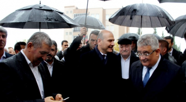 İçişleri Bakanı Süleyman Soylu'ya yağmur sürprizi