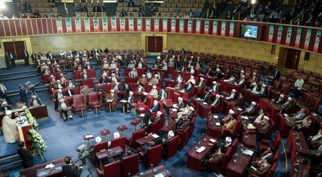 İran'da yabancı sosyal medya uygulamalarına yasak getirildi