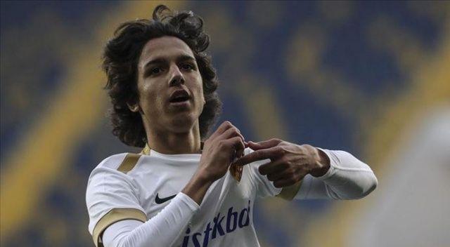 Kayserisporlu Emre Demir Süper Lig tarihinin en genç golcüsü oldu