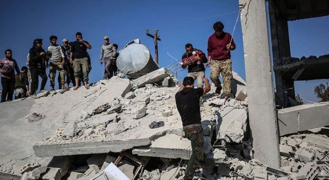 Rusya'nın İdlib'e hava saldırısında 2 sivil hayatını kaybetti