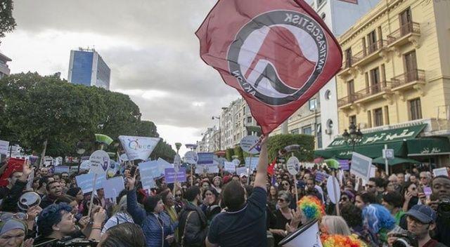 Tunus'ta kadına yönelik şiddete karşı yürüyüş