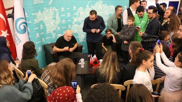 Ünlü oyuncu Ercan Kesal Arnavutluk'taki hayranlarıyla buluştu